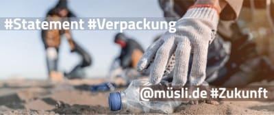 musli .de | Verpackung - Menschen sammeln Plastik am Strand